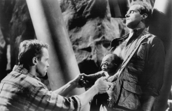still-of-arnold-schwarzenegger-and-marshall-bell-in-total-recall-(1990)